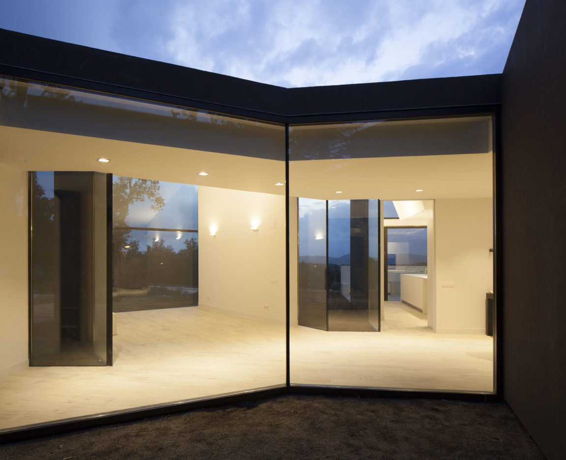 House and Studio YC by RTA-Office (11)