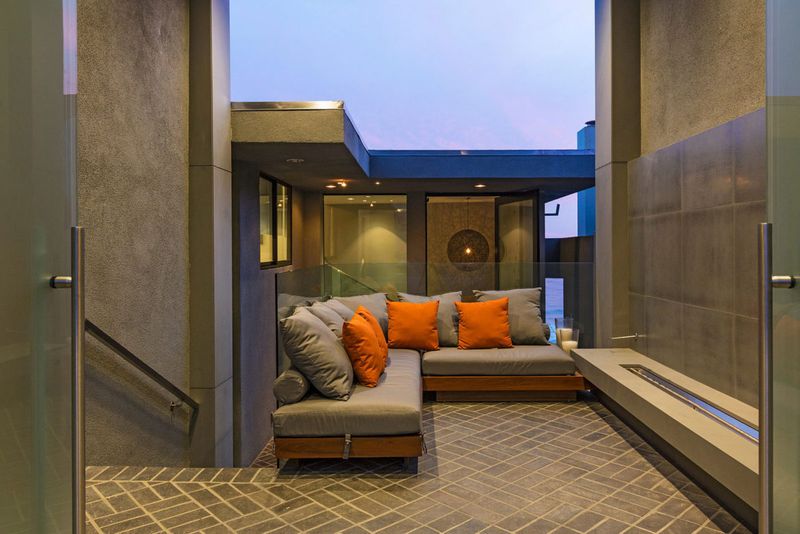 Newly Remodeled Malibu Home (2)