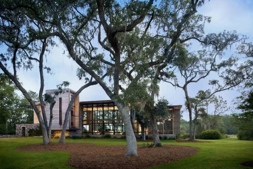 Bray's Island SC Modern I by SBCH Architects (14)