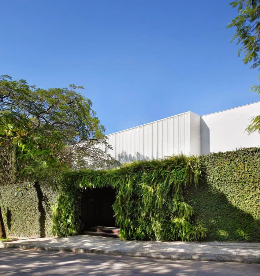 Brise House by Gisele Taranto Arquitetura (1)