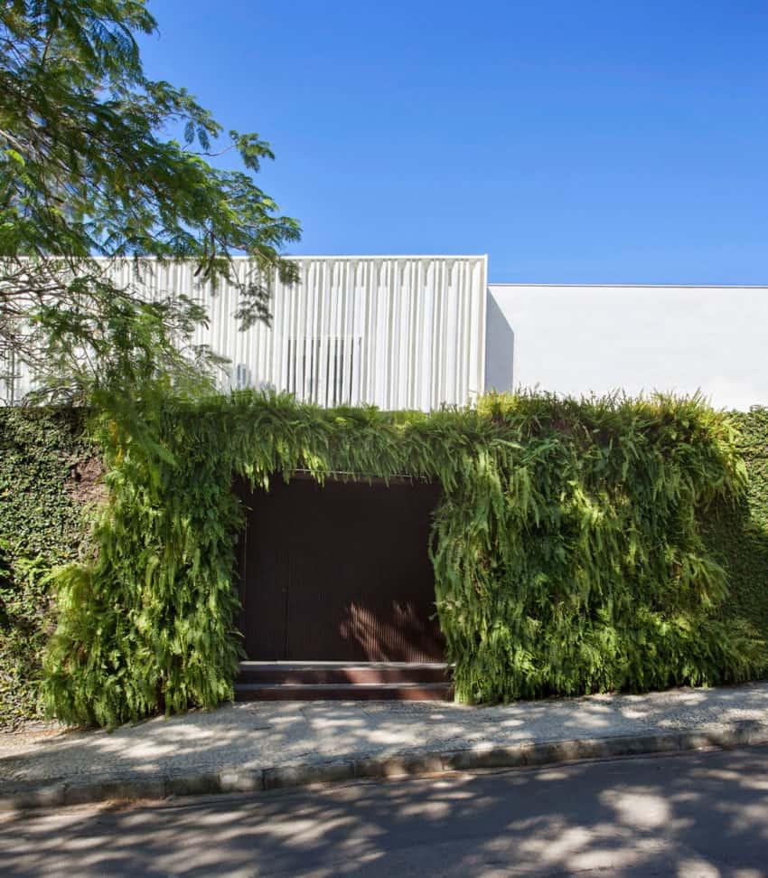 Brise House by Gisele Taranto Arquitetura (2)