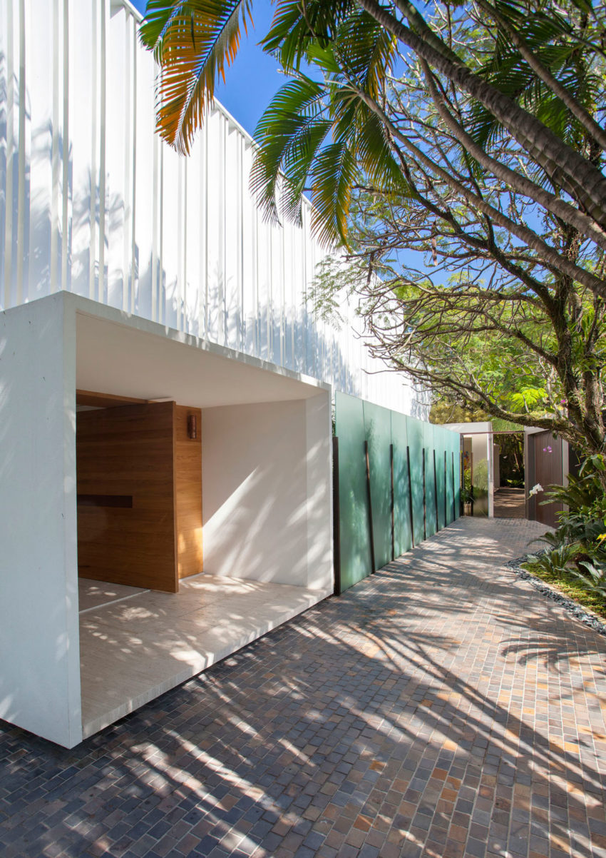 Brise House by Gisele Taranto Arquitetura (3)