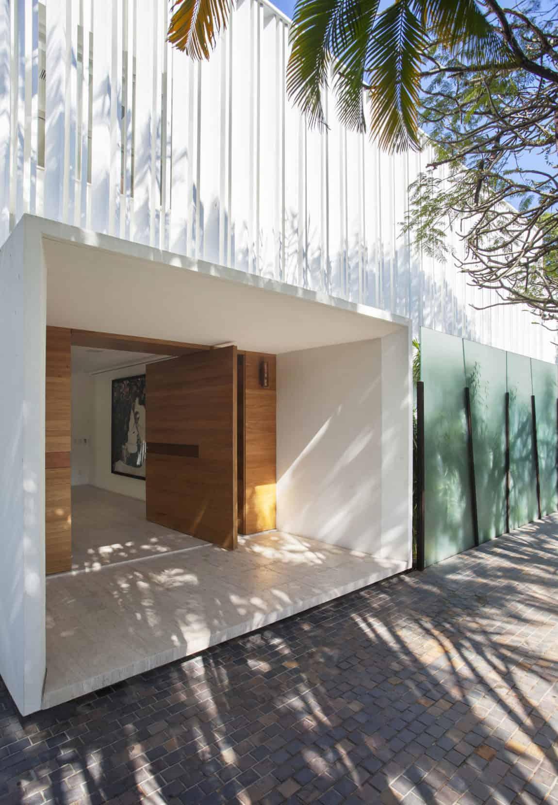 Brise House by Gisele Taranto Arquitetura (4)