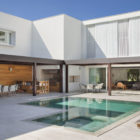 Brise House by Gisele Taranto Arquitetura (10)