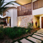 Byron Bay Beach Home by Davis Architects (19)