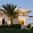 Byron Bay Beach Home by Davis Architects (21)