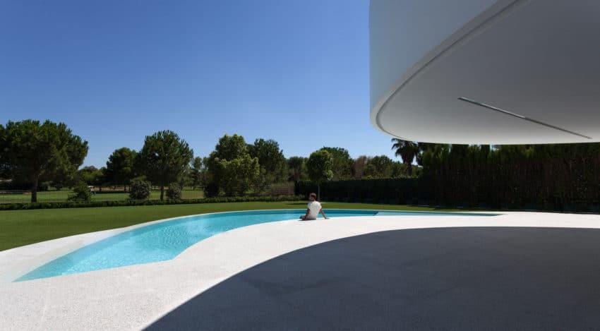 Casa Balint by Fran Silvestre Arquitectos (4)