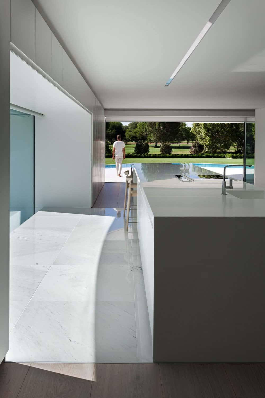 Casa Balint by Fran Silvestre Arquitectos (9)