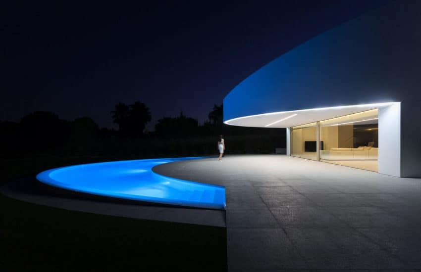 Casa Balint by Fran Silvestre Arquitectos (13)