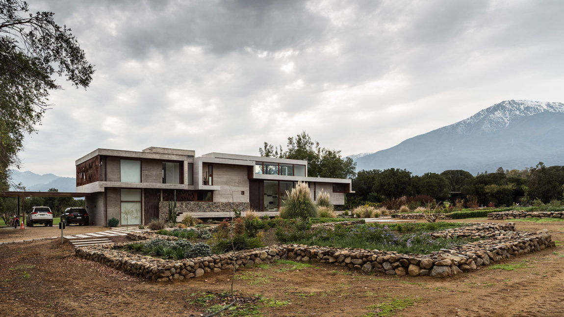 Casa Corredor by Chauriye Stäger Arquitectos (1)