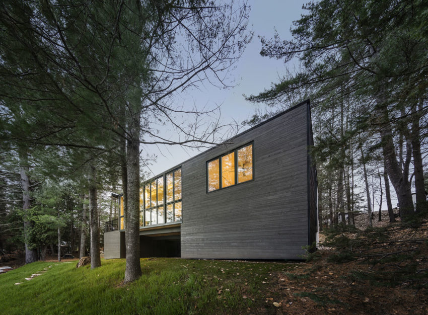 Cross-Laminated-Timber Cottage by Kariouk Associates (12)
