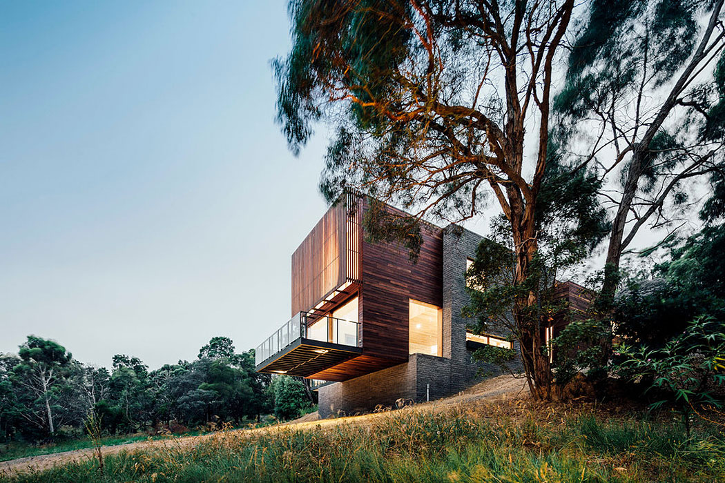 Dawes Road House by Moloney Architects (17)