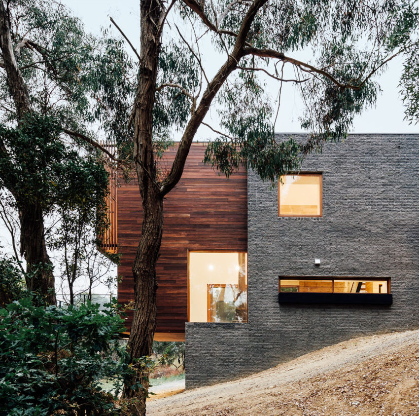 Dawes Road House by Moloney Architects (14)