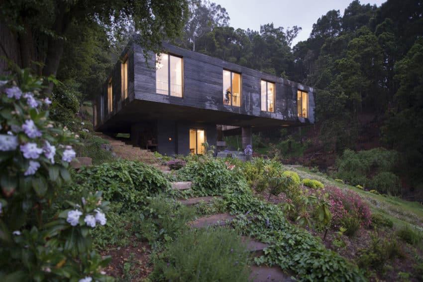 Guna House by Pezo von Ellrichshausen (10)