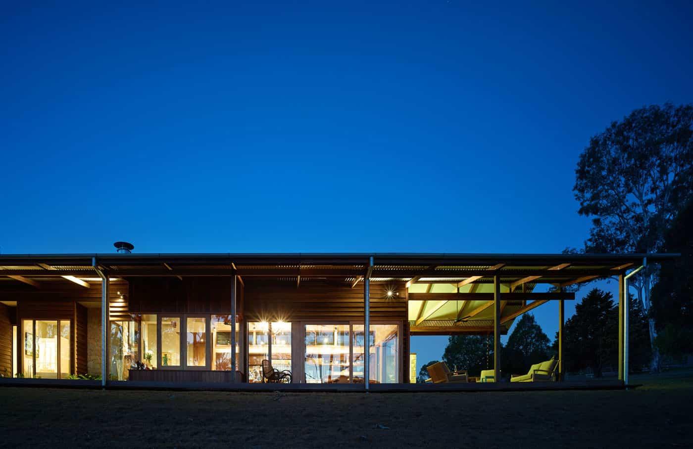 Hinterland House by Shaun Lockyer Architects