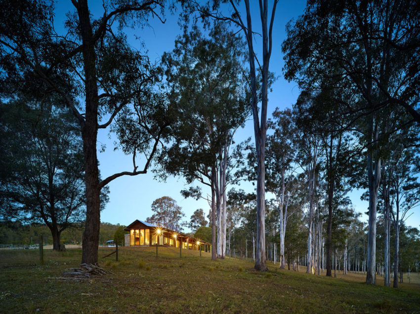 Hinterland House by Shaun Lockyer Architects (31)
