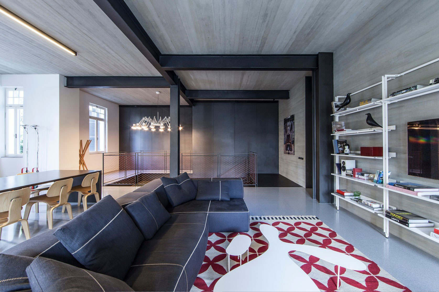 Tel Aviv Apartment by Pitsou Kedem Architects