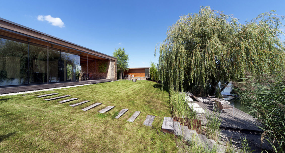 Holiday Cottage by Tóth Project Architect Office (2)