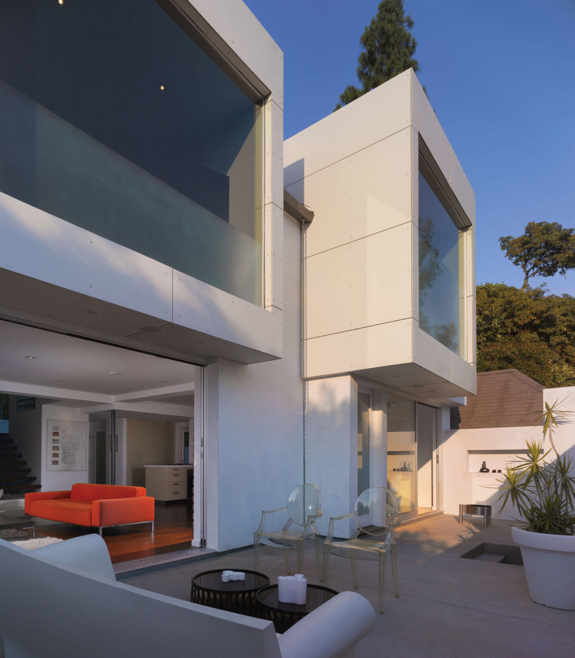 Hollywood Hills Residence by Griffin Enright Architects (1)