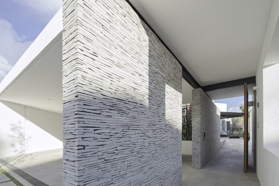 House 8A by Dionne Arquitectos (2)