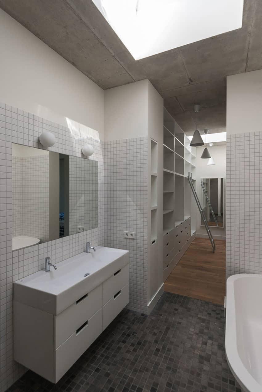 House in Vilnius by Aketuri Architektai (11)