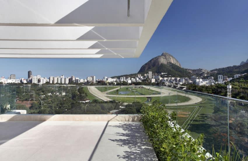 JMF Residence by Ivan Rezende Arquitetura (1)