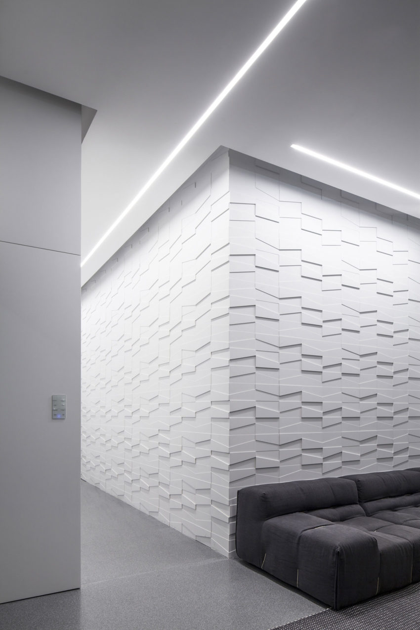 Layers of White by Pitsou Kedem Architects (11)