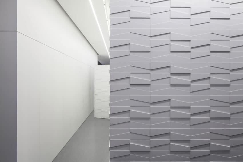 Layers of White by Pitsou Kedem Architects (25)