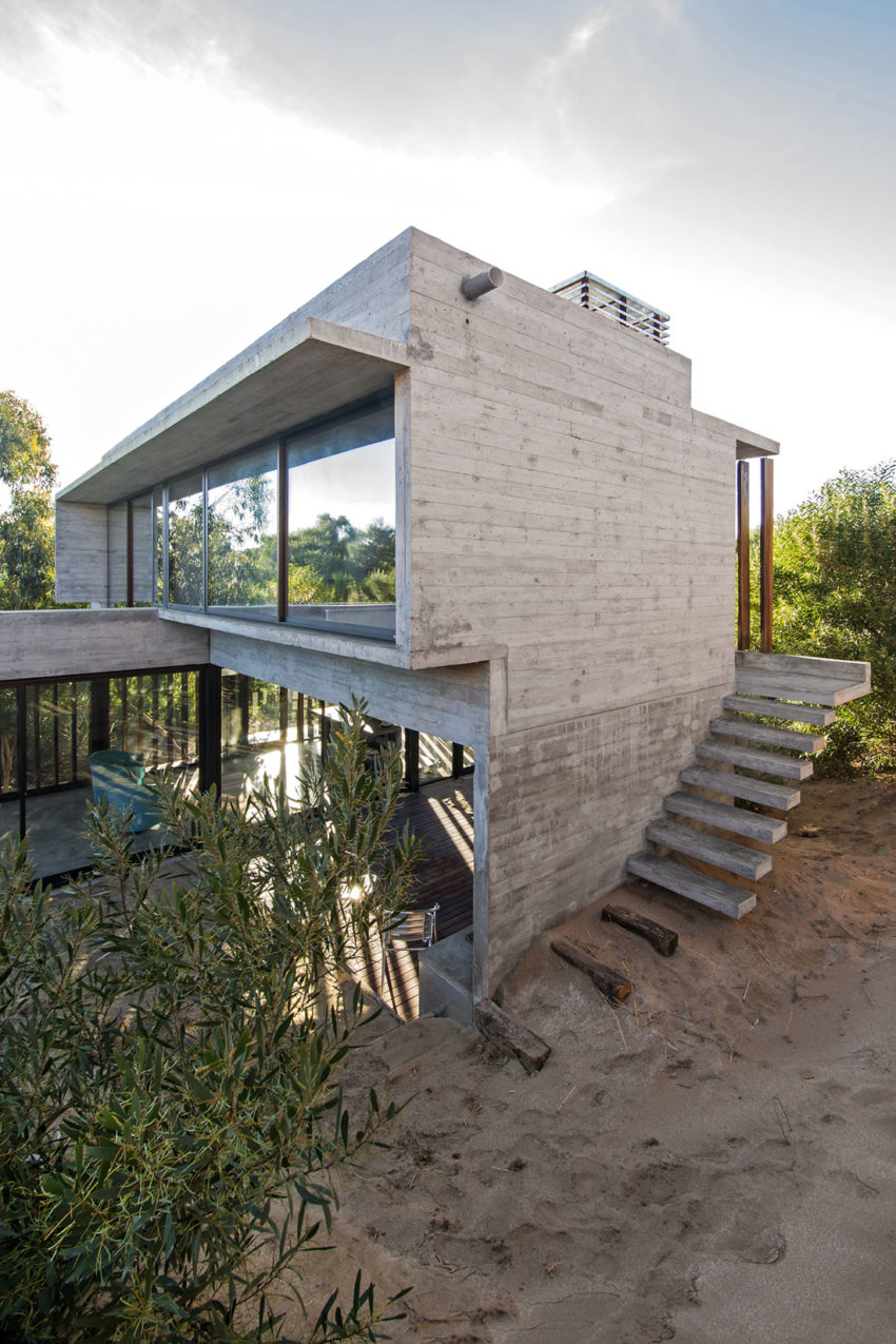 MR House by Luciano Kruk Arquitectos (9)