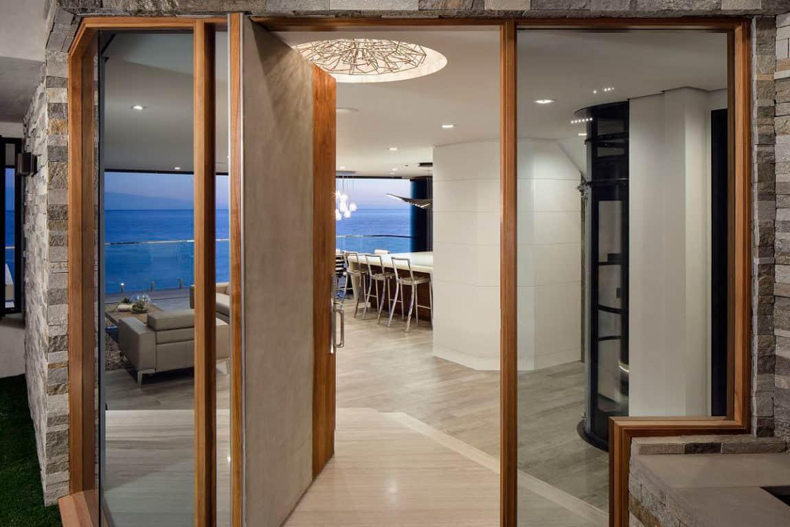New Laguna Beach Home by Mark Abel & Myca Loar (1)
