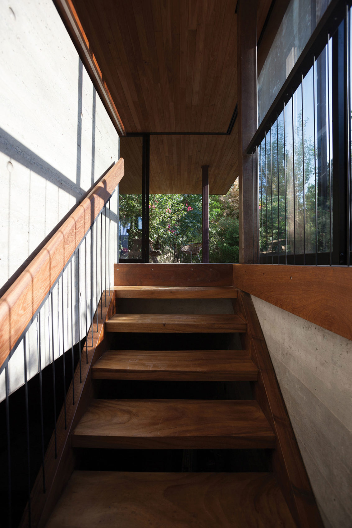 Pavilion at Arch's Residence by Kythreotis Arch (13)