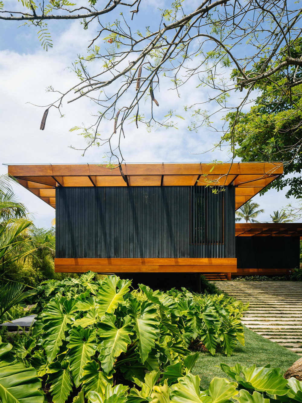 RT House by Jacobsen Arquitetura (2)