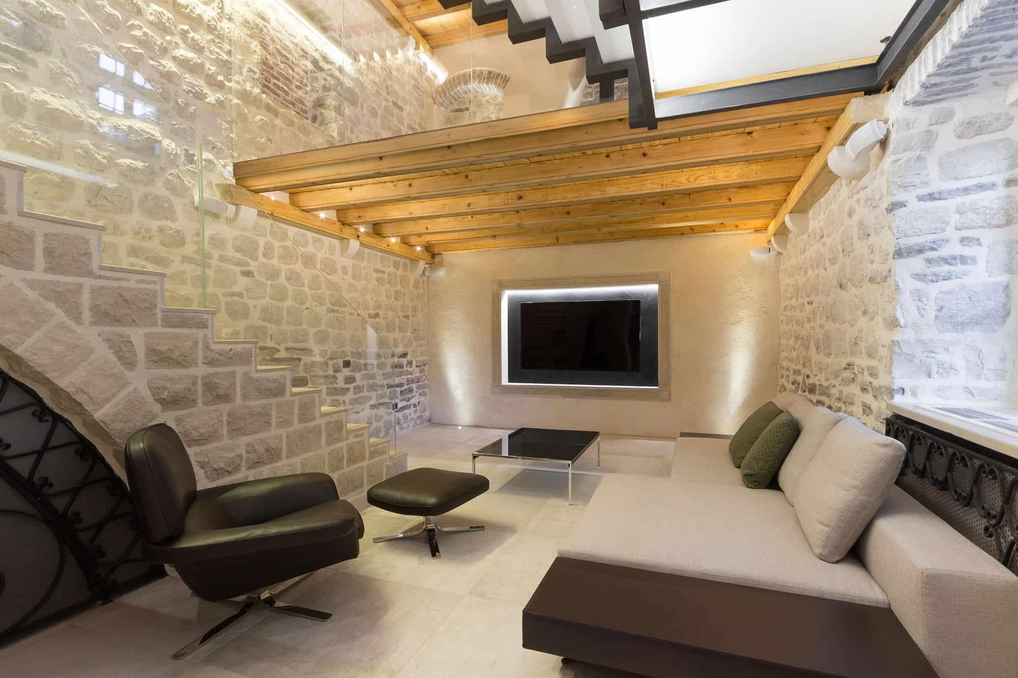 Reconstruction of a Villa in Ljuta by Enforma Studio