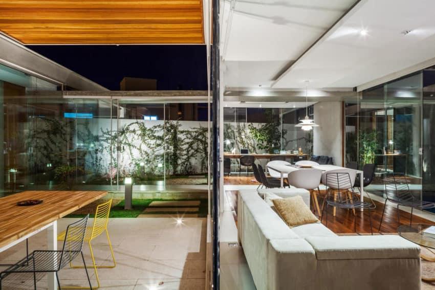 Sliding Pergolas House by FGMF Arquitetos (13)