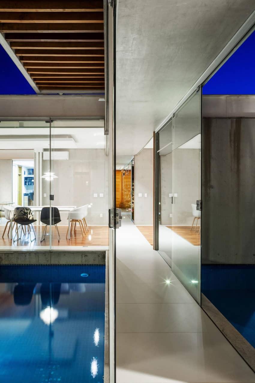 Sliding Pergolas House by FGMF Arquitetos (14)