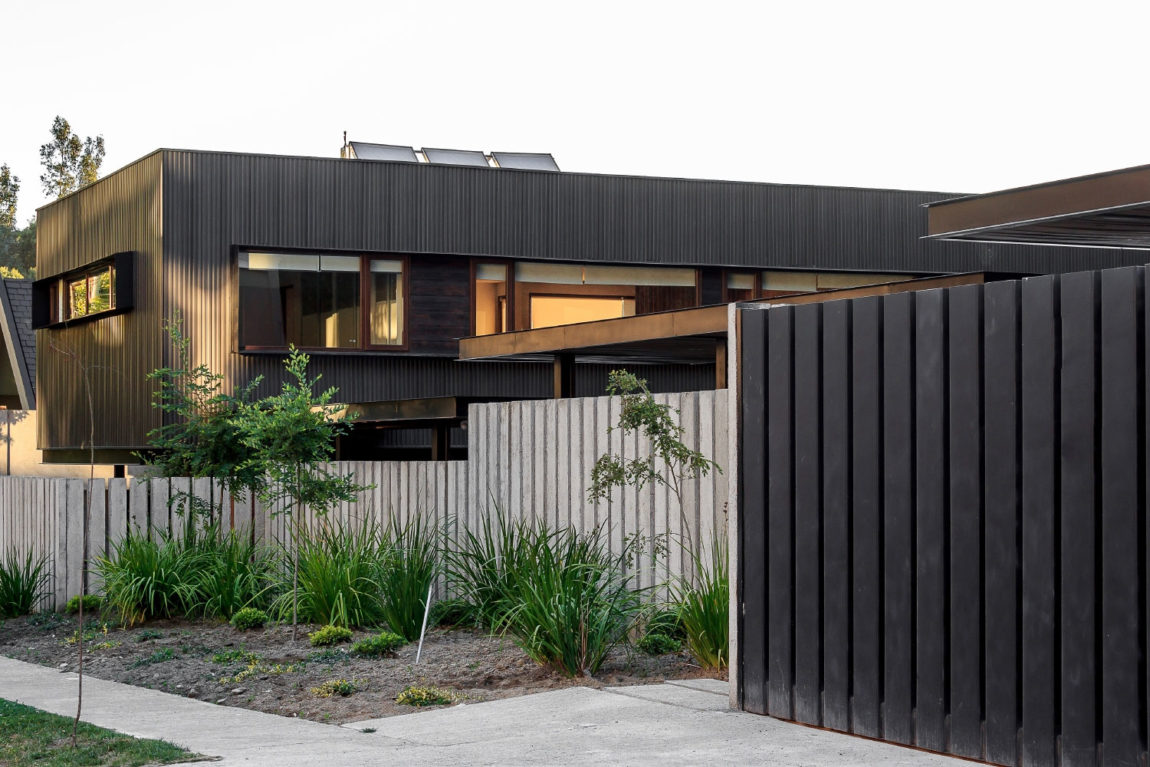 Swett House by Prado Arquitectos (1)