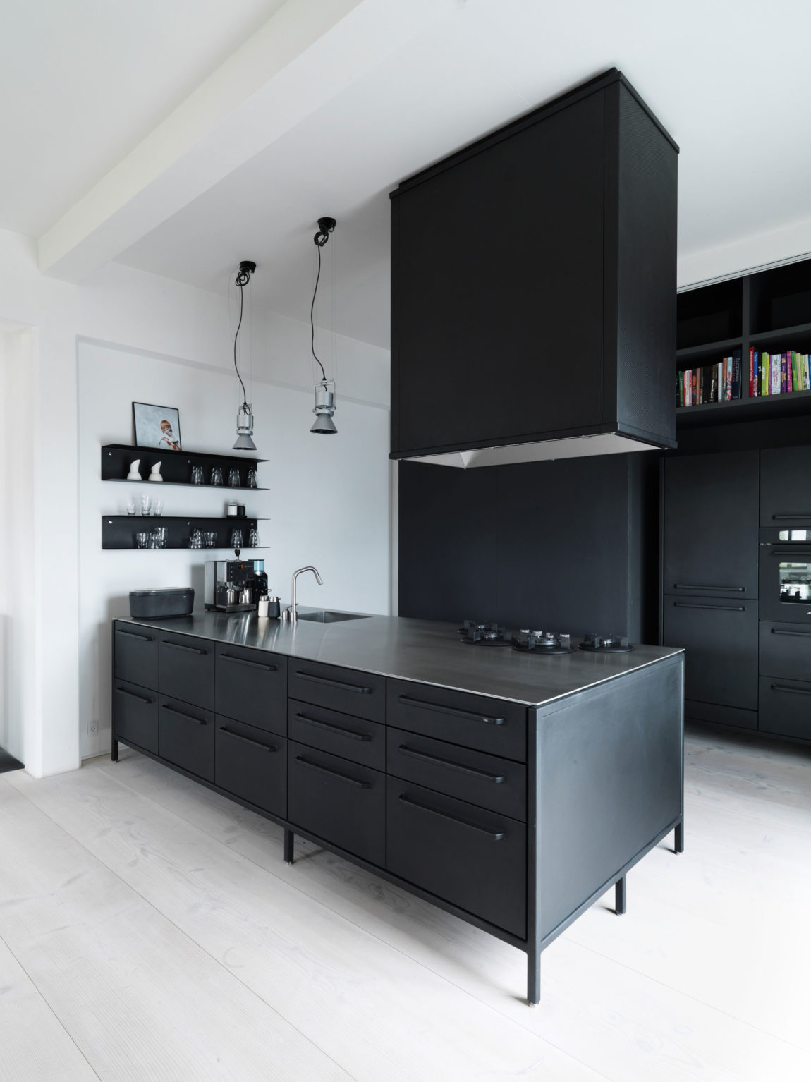 The Home of Morten Bo Jensen by Vipp (6)