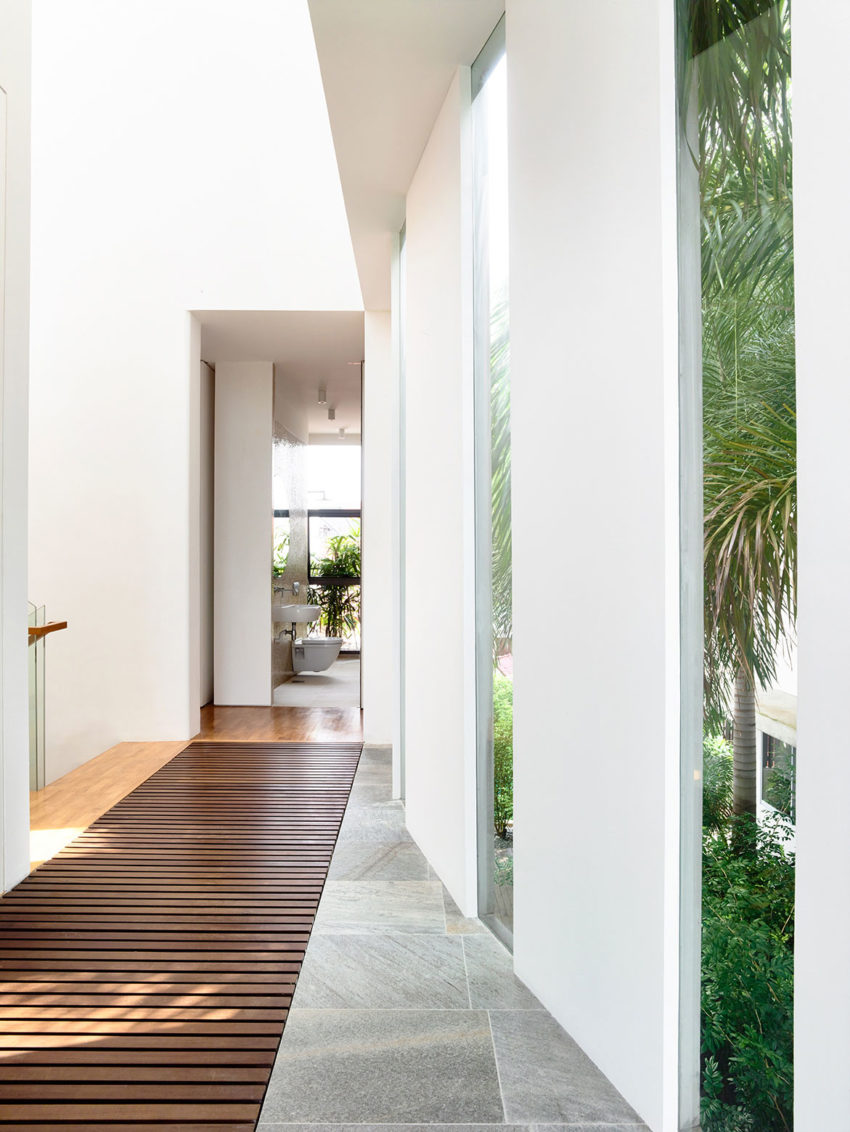 A Private Retreat by HYLA Architects (9)