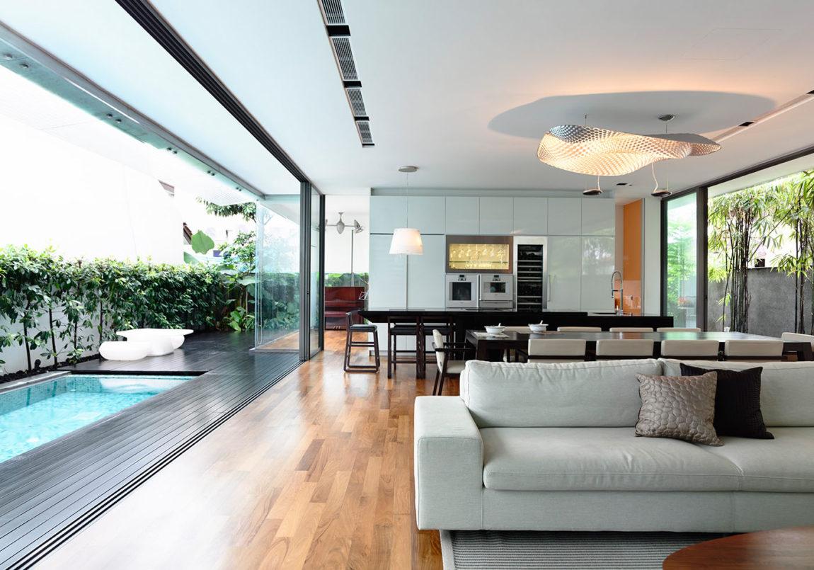 Discreetly Detached Modern Family by HYLA Architects (3)