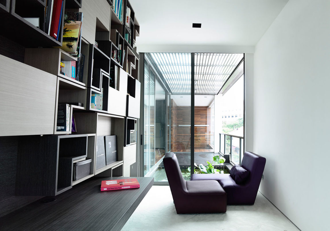 Discreetly Detached Modern Family by HYLA Architects (11)