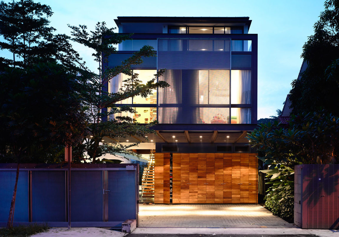 Discreetly Detached Modern Family by HYLA Architects (13)