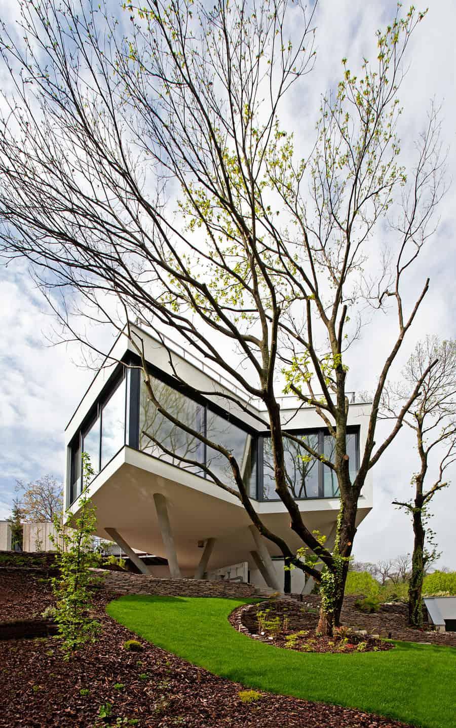 House Between The Trees By Architekti Šebo Lichý (2)