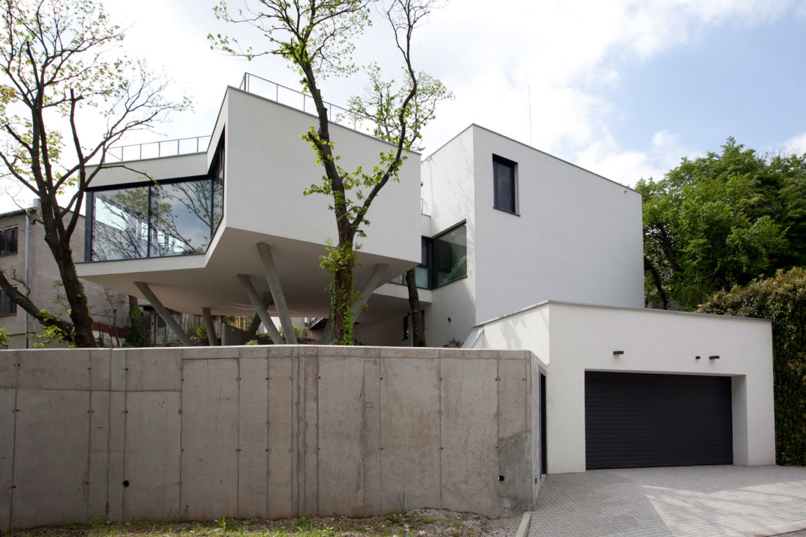 House Between The Trees By Architekti Šebo Lichý (3)