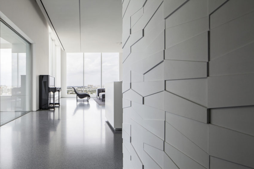 Layers of White by Pitsou Kedem Architects (7)