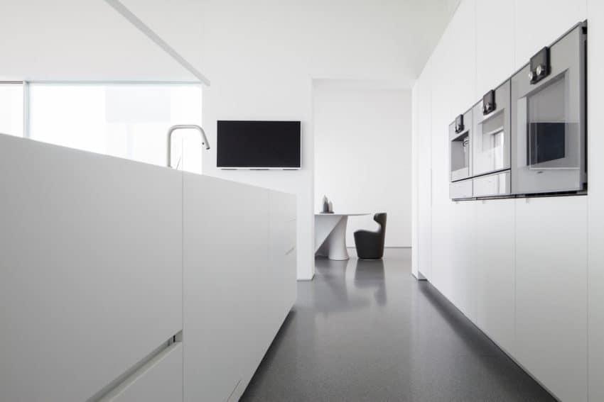 Layers of White by Pitsou Kedem Architects (16)
