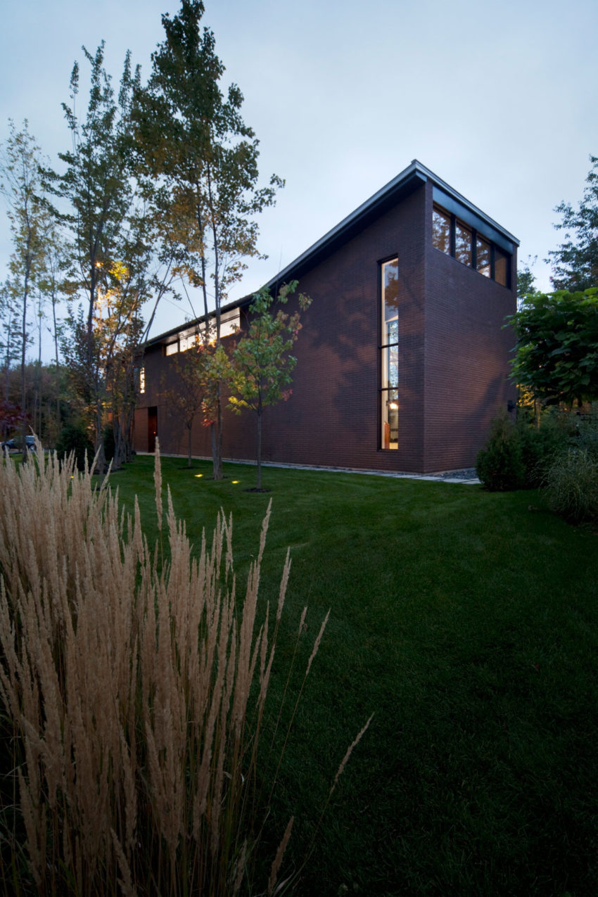 Maison Veranda by Blouin Tardif Architecture-Environ (11)