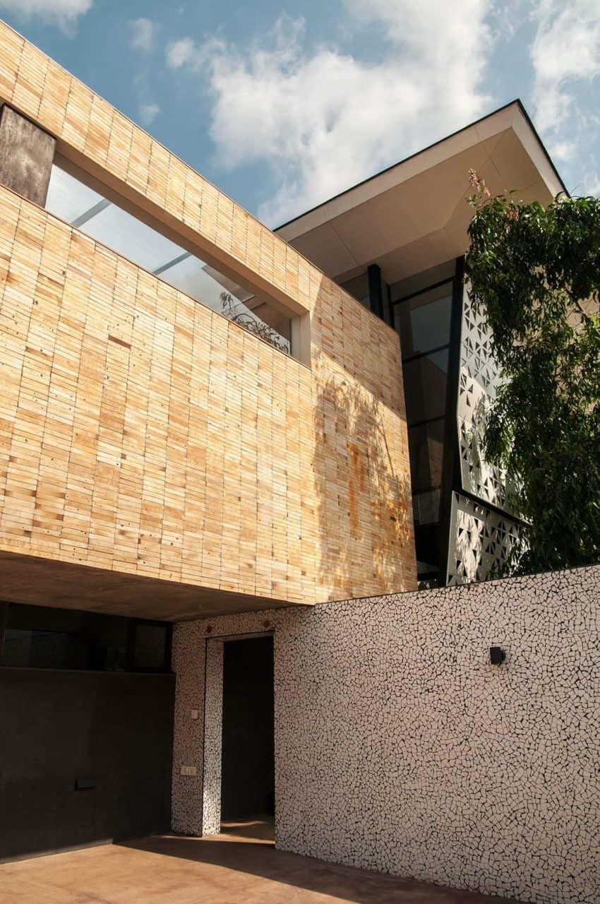 Mehr House by Krishnan+Parvez+Architects (2)