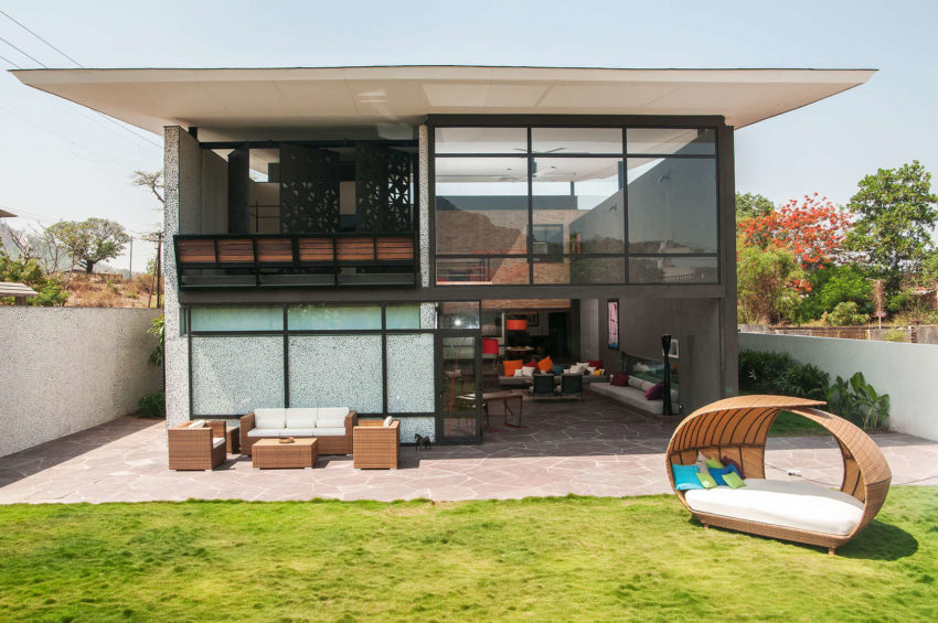 Mehr House by Krishnan+Parvez+Architects (3)