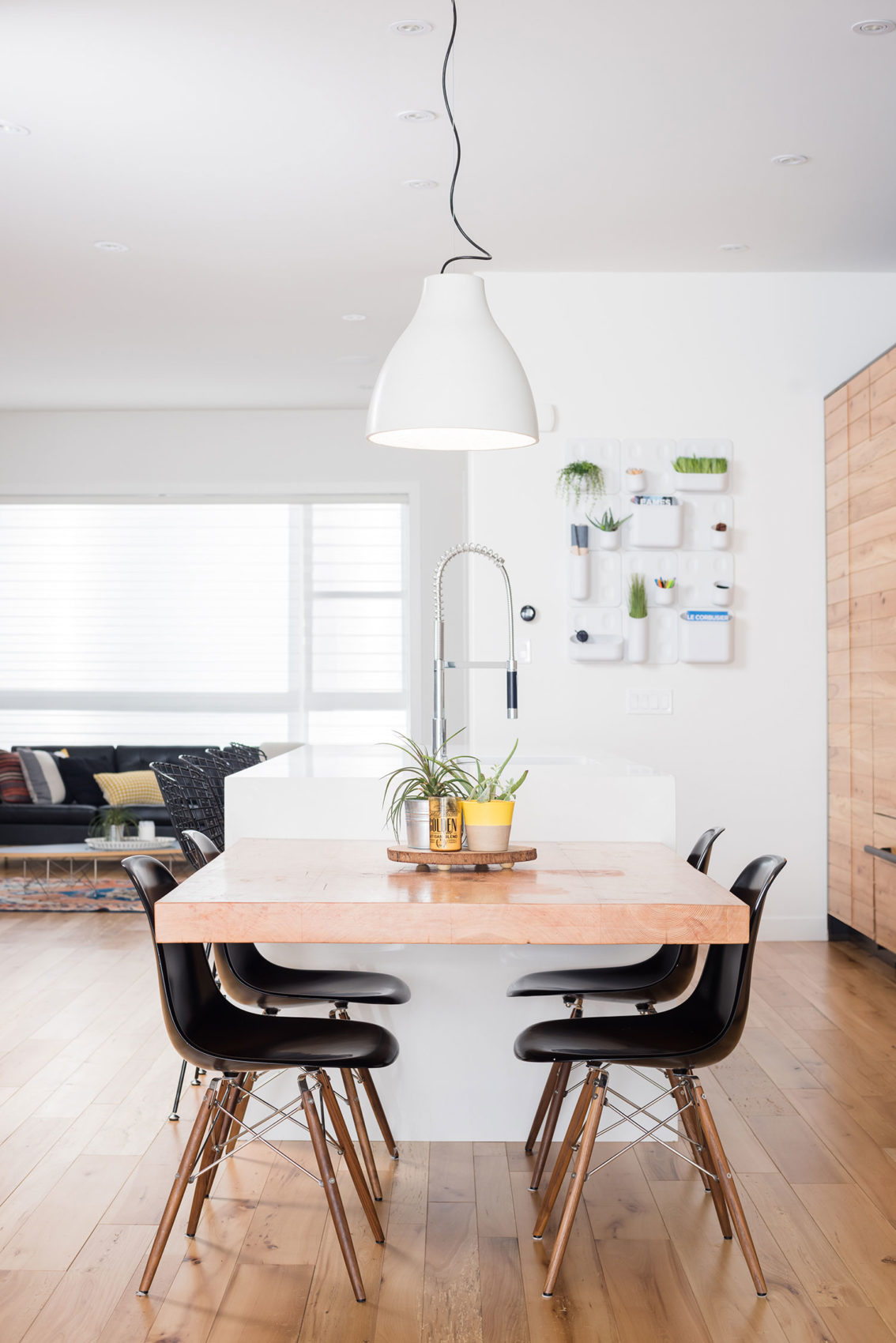 Project b95, a Modern Infill in Calgary by Beyond Homes (9)