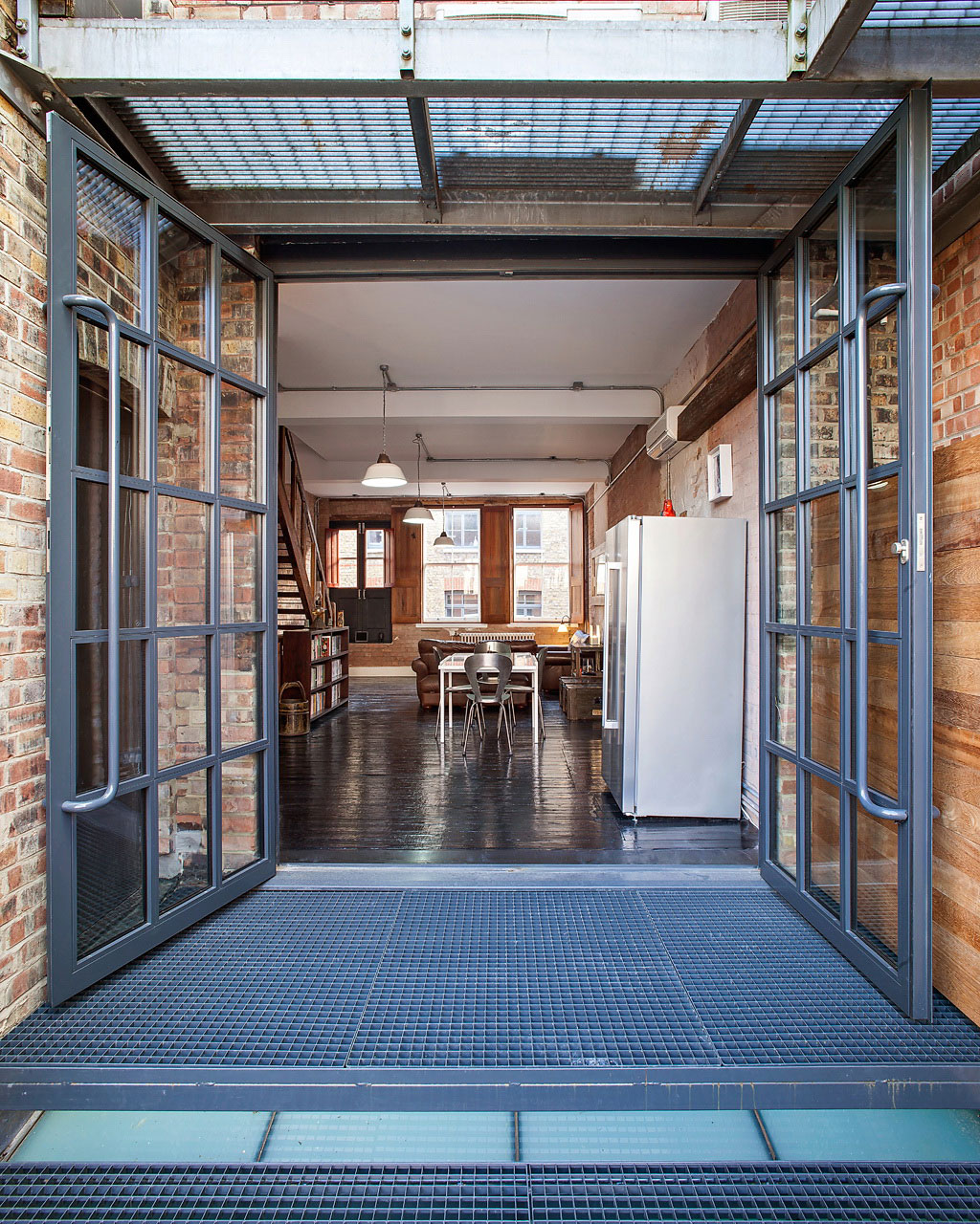 Shoreditch Warehouse Conversion by Chris Dyson Arch (1)